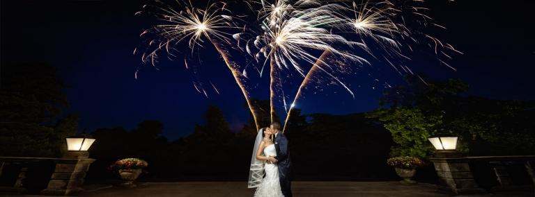 Brautpaar und Feuerwerk - Hochzeitsfotograf Frankfurt