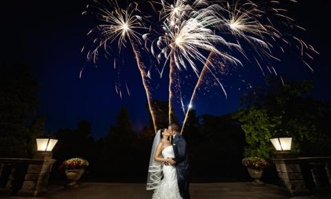 Brautpaar mit Feuerwerk, Hochzeitsfotograf Dortmund
