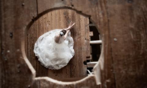 Braut mit Kleid, Hochzeitsfotograf Koeln